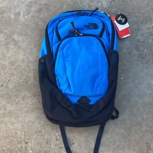 NWT The North Face 27L Pivoter Backpack in Blue